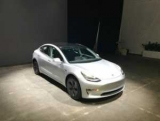 Перший старий Tesla Model 3 виставили на продаж